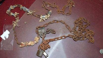 As correntes que Castro usava em suas vítimas. Fonte: D.A./Cuayahoga County